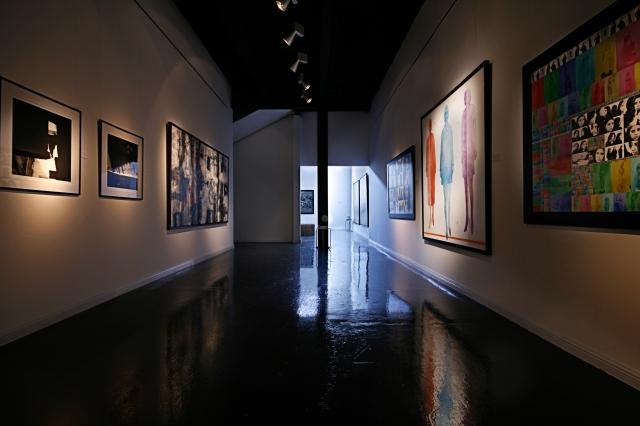 Бар-галерия на Никълъс Спаркс Ayyam-art-center3